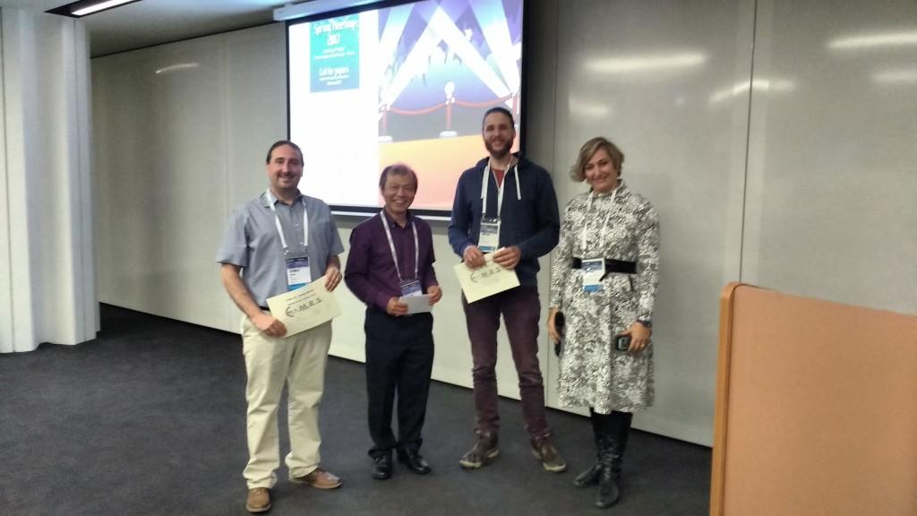 Übergabe des EMRS-Posterpreises durch DTG-Schriftführer Dr. Jan König (ganz links) und die Organisatoren des Symposiums H
